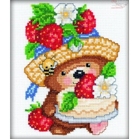 RTO Little Bear with Strawberr - Counted Cross Stitch Kit, Art: C025
