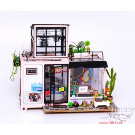 Miniature Dollhouse Room Box Kit - DIY Kevin's Studio
